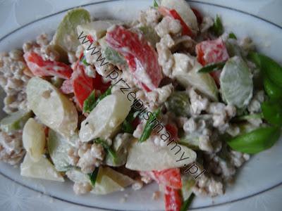 Sałatka ze szparagów i kaszy gryczanej