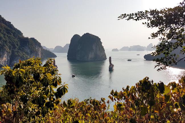 Vista de la Bahía de Halong desde un mirador