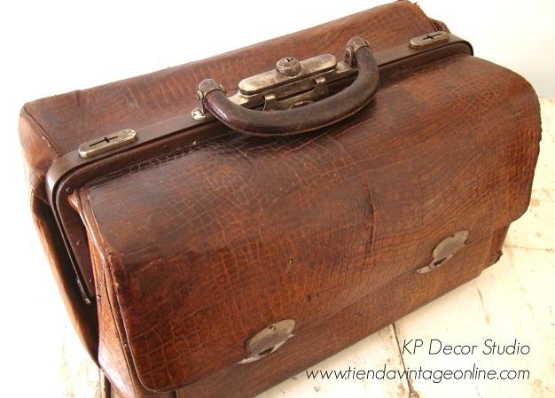 Comprar maleta de médico para decorar