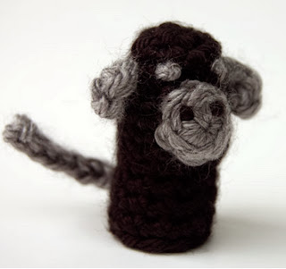 http://translate.googleusercontent.com/translate_c?depth=1&hl=es&rurl=translate.google.es&sl=auto&tl=es&u=http://www.mooglyblog.com/monkey-finger-puppet-free-crochet-pattern/&usg=ALkJrhiHx4lUTjuuB_os6nHBAx44igexiQ