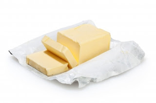 """<img src=""""mantequilla.jpg"""" alt=""""la mantequilla hace parte de los alimentos que contienen grasas malas"""">"""