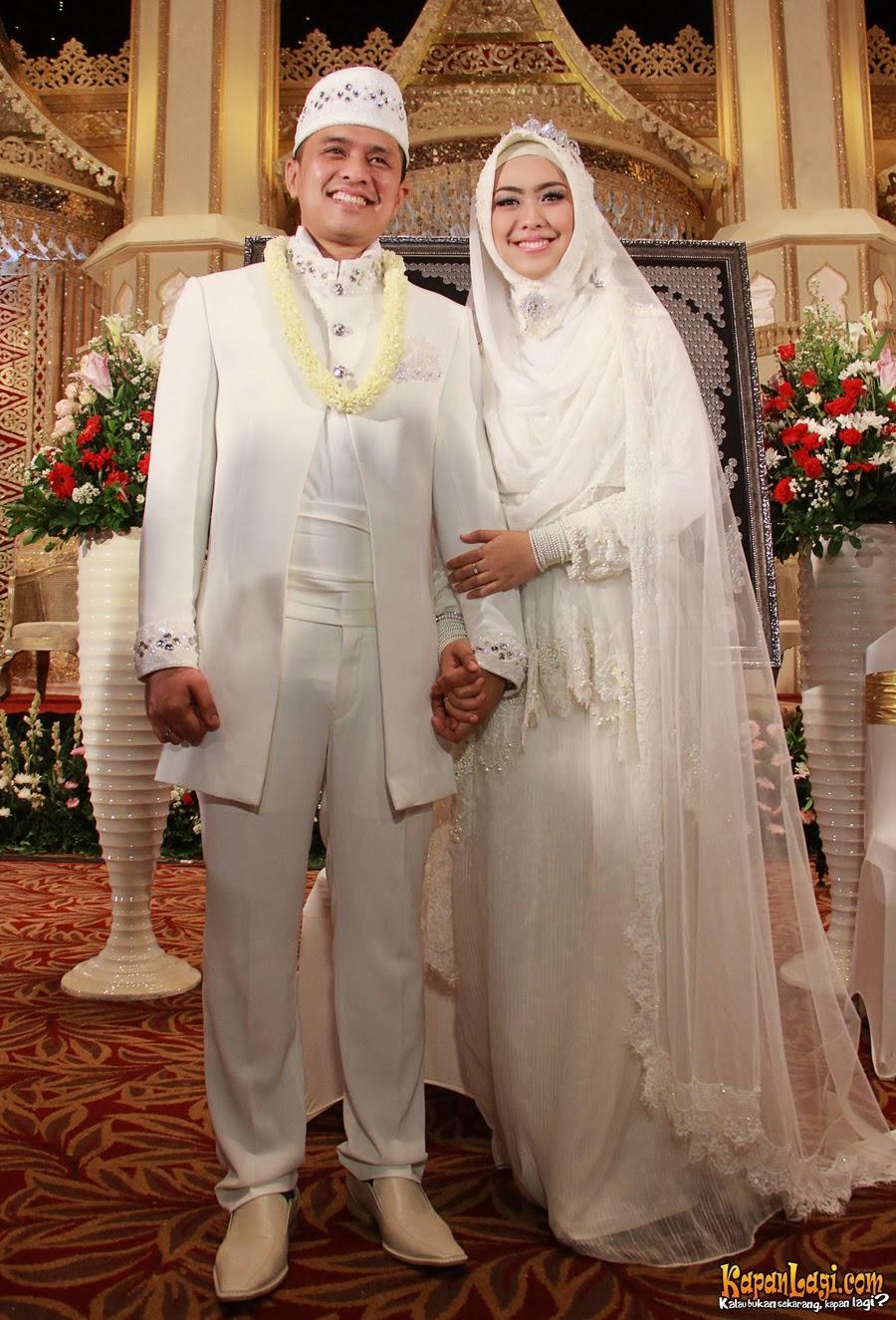 Kebaya Modern Muslim Marriage - International Kebaya Batik