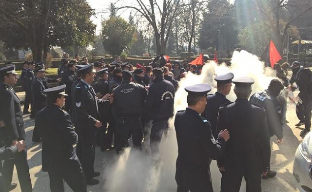 7 αστυνομικοί στο νοσοκομείο απο τα επεισόδια στο Μνημείο Μπιζανομάχων