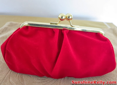 Bag Of Love Rock On Beauty Bag Review, bag of love, red velvet clutch, skincare, beauty box , burgundy red velvet cluth