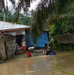 Banjir yang merendam rumah warga di Asahan.
