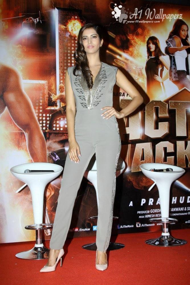 Manasvi Mamgai LQ Pics Miss India World 2010 Manasvi Mamgai in Bikini