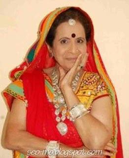 Foto Usha Nadkarni Pemeran Savita