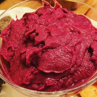Beetroot Hummus recipe by Appetit Voyage