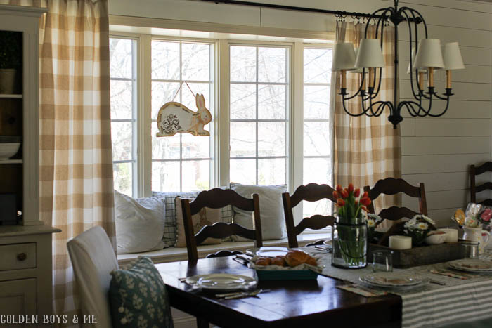 Spring dining room with buffalo check curtains