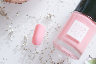 Flamingo Miss Den