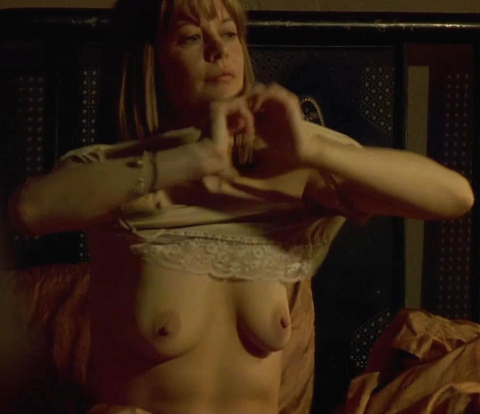Meg ryan nude boobs and fucking in the cut movie 9