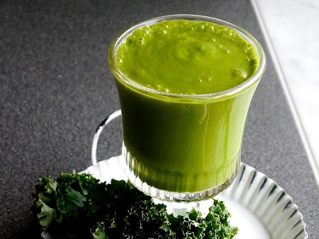 Jarmużowy szejk na zdrowie! Zielony detoks - Czytaj więcej »