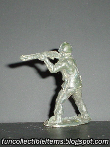 Rifleman plastic toy soldier