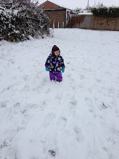 Eliza's first experience of Snow - Bournemouth Snow - January 2013