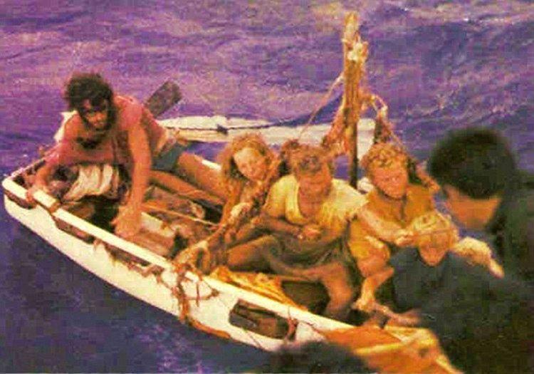 Robertson ailesi 38. günün sonunda bir balıkçı teknesi tarafından bulundu.