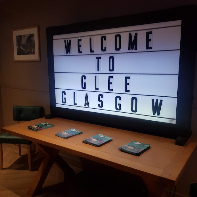 I visited the new Glee Comedy Club in Glasgow and had a really grand time