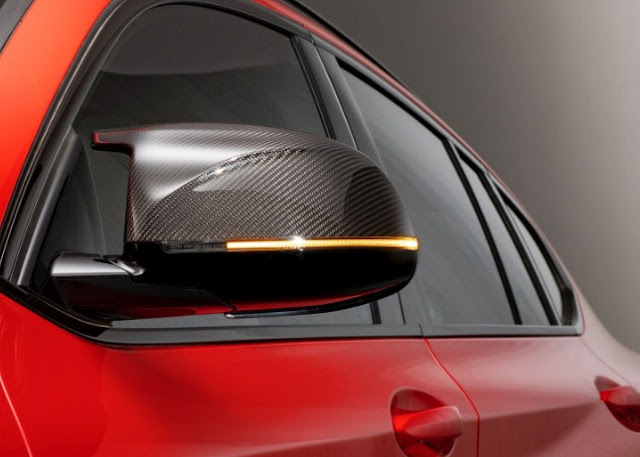 side-view-mirror-of-x4-m-bmw