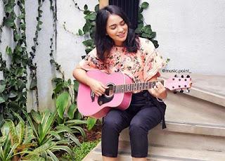 Gaby Marissa Bawa Gitar