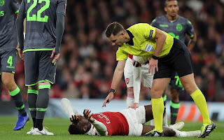 Danny Welbeck faces an extensive spell on the sidelines after suffering a horrific looking ankle injury during Arsenal's Europa League game against Sporting Lisbon on Thursday night.