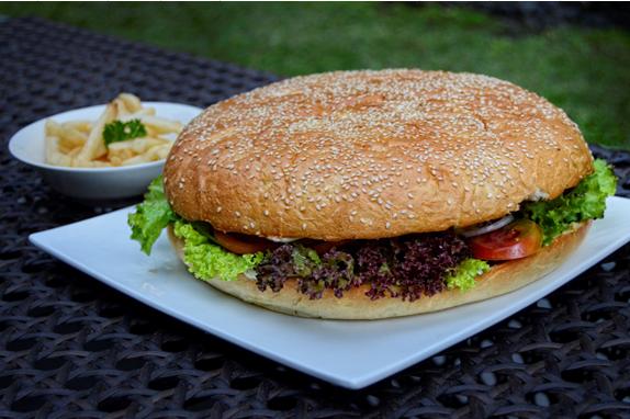 Goliath Burger Nya Grand Aston Yogyakarta, BBB