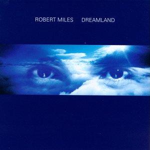 Portada de Dreamland, Robert Miles, 1996. La imagen muestra un fundido entre cielo y ojos del porpio Robert Miles sobre fondo azul oscuro