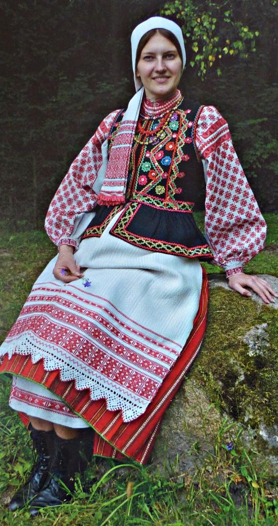 Belarus folk costume Eastern Palesse