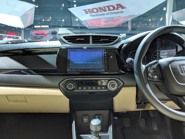 All New-Gen 2018 Honda Amaze Dashbord