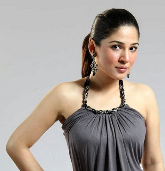 Ayesha-Umar-Sexiest-Pakistani-Actress