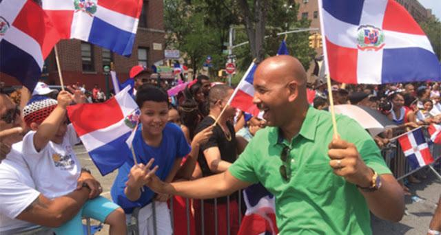 Policías custodian casas del presidente del Bronx y de senador por amenazas de muerte de parte de un dominicano