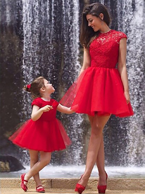 New Scoop Neck Red Tulle Lace Ruffles Short/Mini Prom Dresses