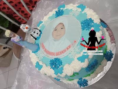 Kue Tart Ultah hias boneka ratu Elsa Frozen dan Olaf