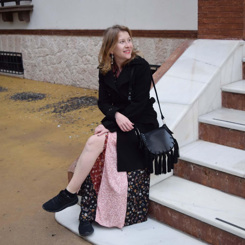 Como_llevar_vestido_largo_con_zapatillas