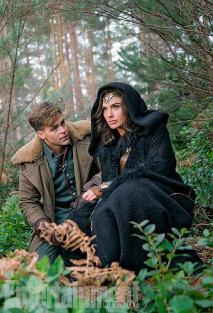 Chris Pine junto a Gal Gadot en Wonder Woman