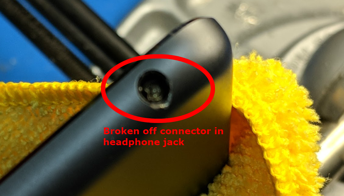 nothing doing removing a broken headphone jack connector from an ipad. Black Bedroom Furniture Sets. Home Design Ideas