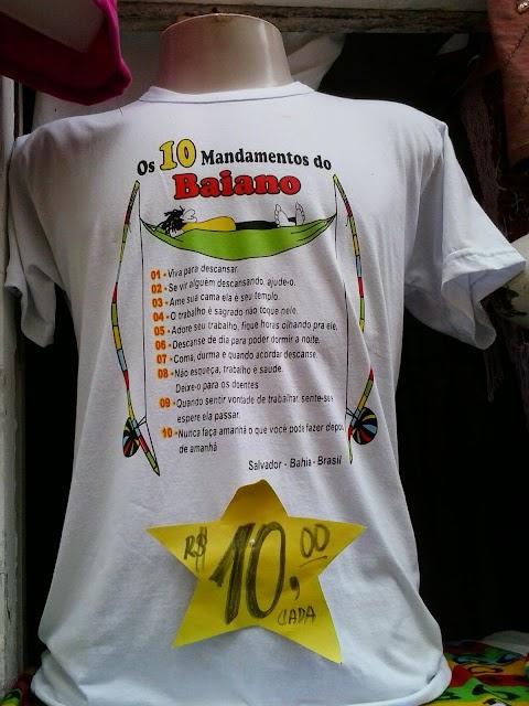 Loja de famoso ponto turístico de Salvador vende camisa que reproduz estereótipos sobre os baianos