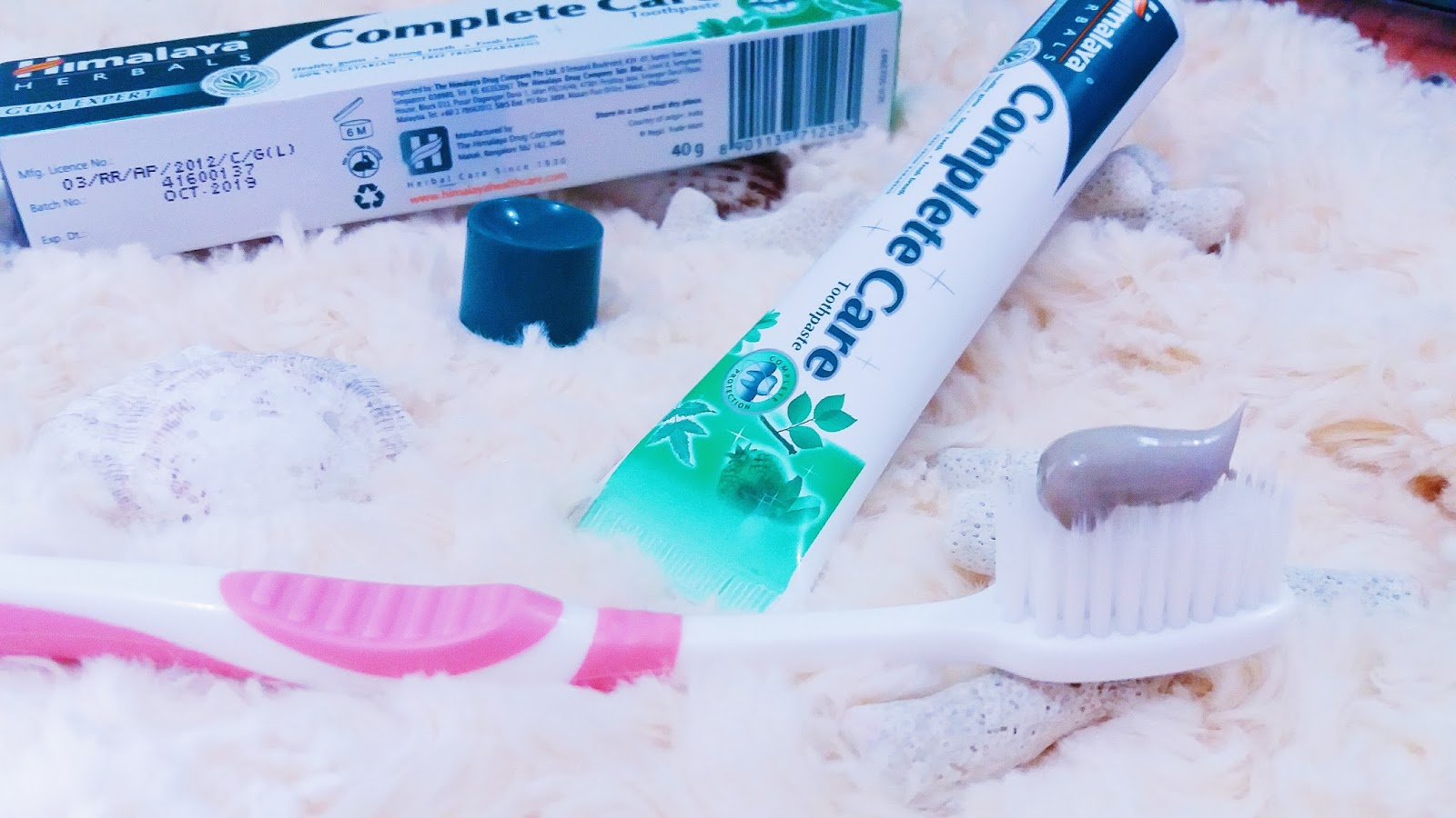 HIMALAYA HERBAL COMPLETE CARE WHITE REVIEW