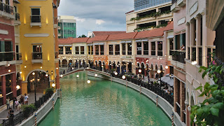 Venice Piazza Grand Canal mall Mckinley Taguig