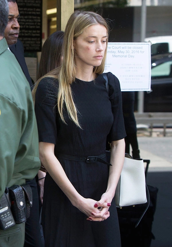 Amber Heard in Court Divorce