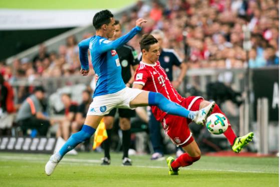 Sau Liverpool, Bayern tiếp tục thua trắng trước Napoli
