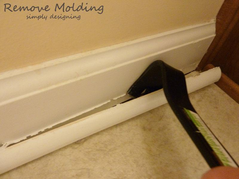 Remove Molding | #diy #tile #bathroom
