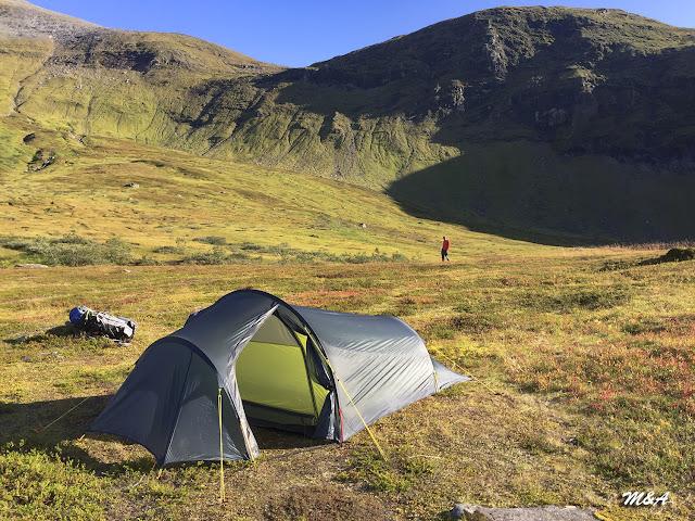 Acampando en Tromdalstinden - Tromso por El Guisante Verde Project