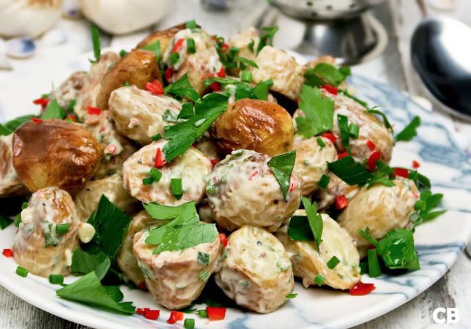 Recept Salade van ovenkrieltjes met knoflooksaus