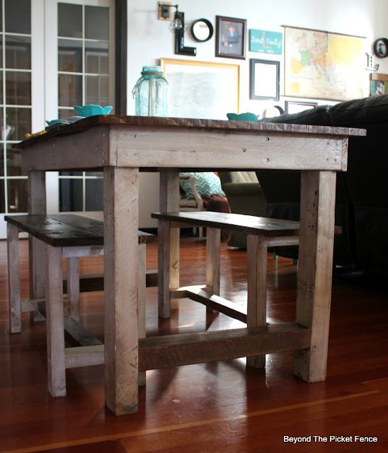 farmhouse, pallets, kitchen table, salvaged, shabby, http://goo.gl/z9bPYj