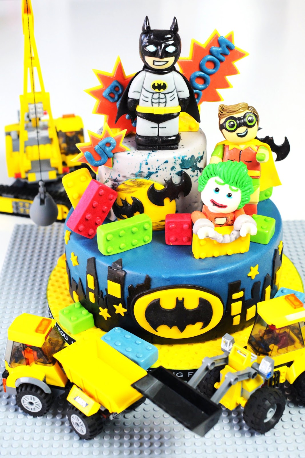 "Kessy\'s Pink Sugar: ""THE LEGO BATMAN MOVIES"" - die Torte zum Film"
