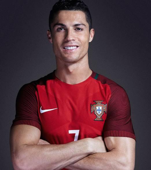 Sepatu Cristiano Ronaldo