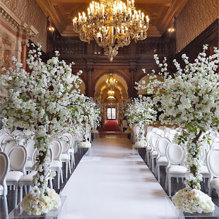 https://www.hitched.co.uk/wedding-planning/ceremony-and-reception/aisle-runners-and-decorations_1126.htm
