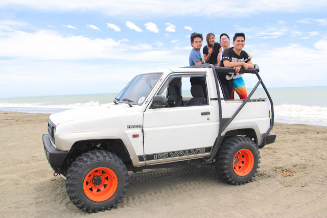Riding the 4x4 in La Paz Sand Dunes