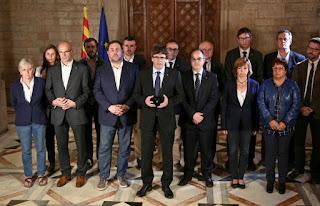 """El presidente regional, Carles Puigdemont, afirmó que obtuvieron """"el derecho ser escuchados por Europa"""". En los próximos días, iniciará la declaración unilateral de independencia. España se opone."""