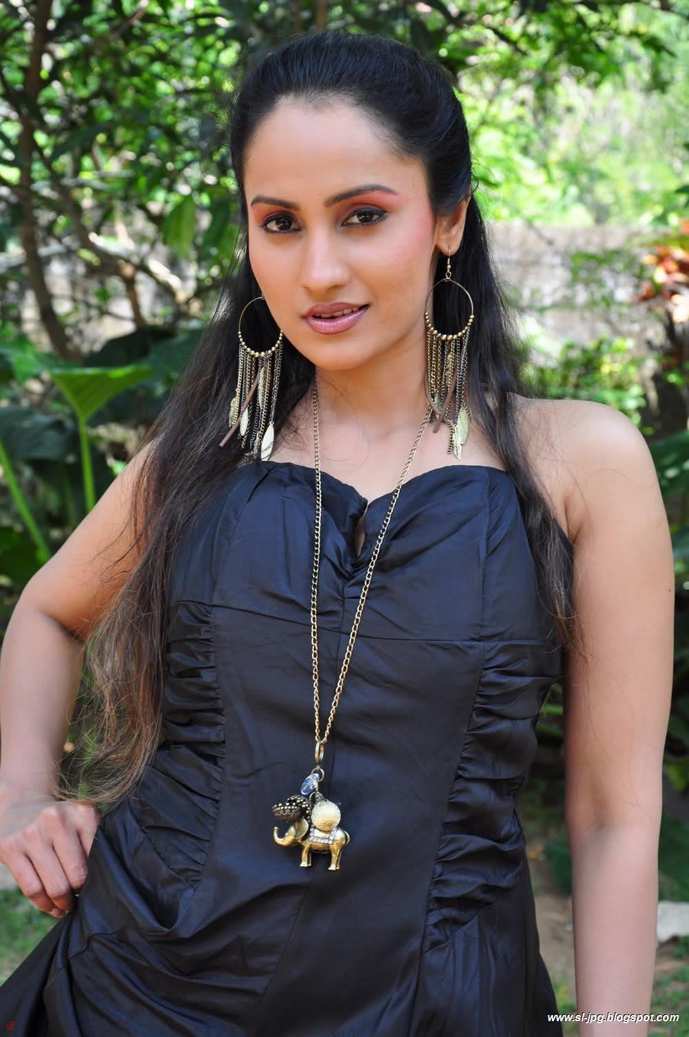 Srilankan Actress Sri Lankan Actress Oshani Dias Hot Photos-2772