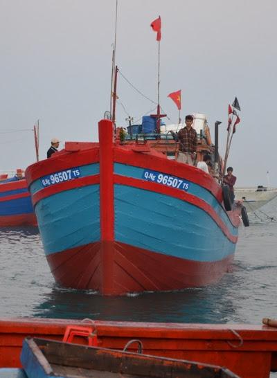 Mỗi chuyến biển an toàn, con cháu tổ tiên bám biển ở Hoàng Sa đều mang về lộc biển của đại dương, dâng lên đấng sinh thành và góp phần làm phong phú ẩm thực Việt Nam.